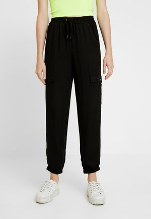 CERRIE DRAPEY UTILITY PANT - Kalhoty - black