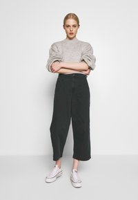 Cotton On - TAYLOR CROP UTILITY - Bukse - washed black - 1