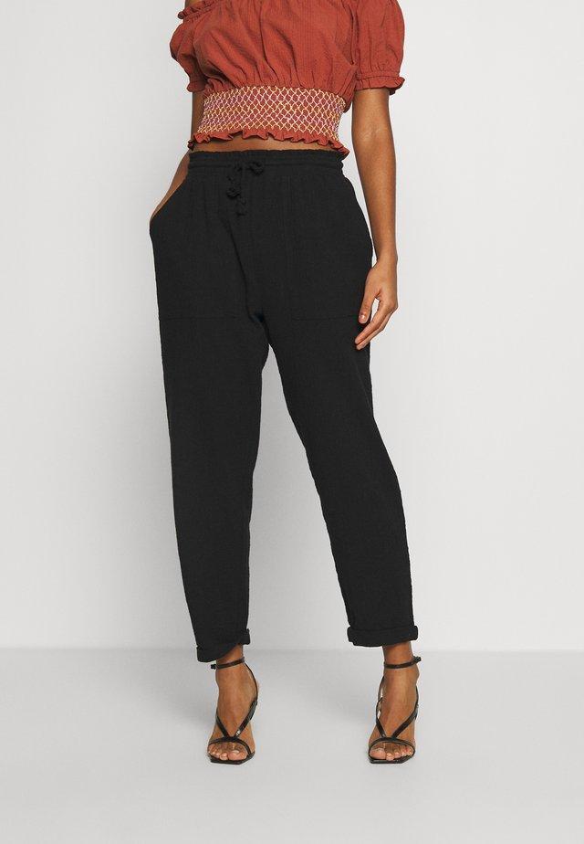 BEACH RESORT PANT - Spodnie materiałowe - black