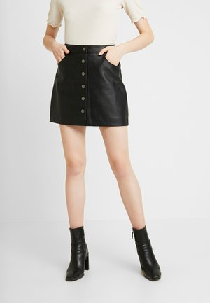 BUTTON MINI SKIRT - Falda de cuero - black