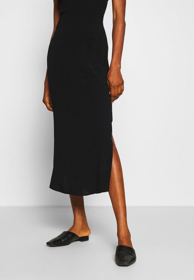 SLIP SKIRT - Spódnica trapezowa - black