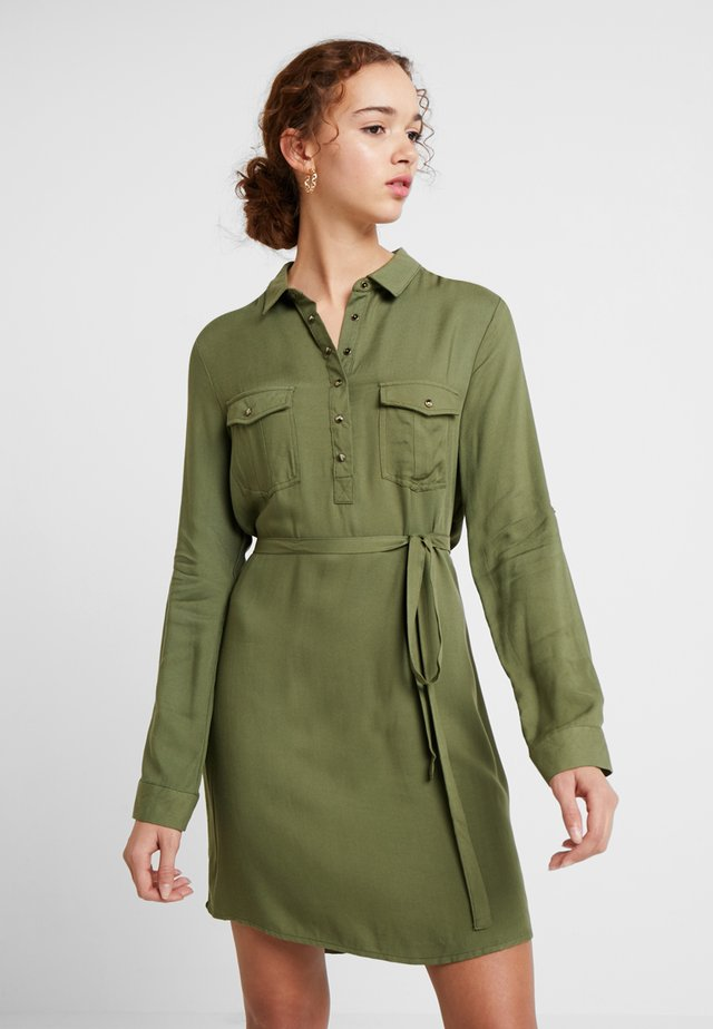 TAMMY LONG SLEEVE DRESS - Košilové šaty - khaki
