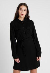 Cotton On - TAMMY LONG SLEEVE DRESS - Skjortekjole - black - 0