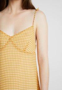 Cotton On - VALENTINE MINI DRESS - Robe d'été - dark yellow - 5