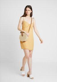 Cotton On - VALENTINE MINI DRESS - Robe d'été - dark yellow - 1