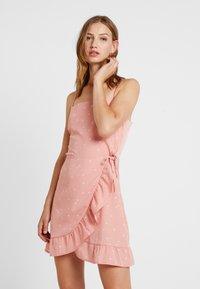 Cotton On - KIKI SUMMER MINI DRESS - Robe d'été - rose tan - 0
