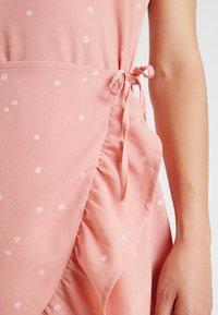 Cotton On - KIKI SUMMER MINI DRESS - Robe d'été - rose tan - 6