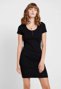 Cotton On - GABBY SHORT SLEEVE MINI DRESS - Robe en jersey - black - 0