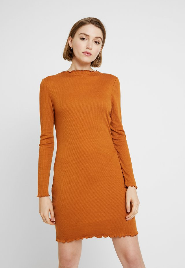GRACE HIGH NECK LONG SLEEVE MINI DRESS - Sukienka etui - lion