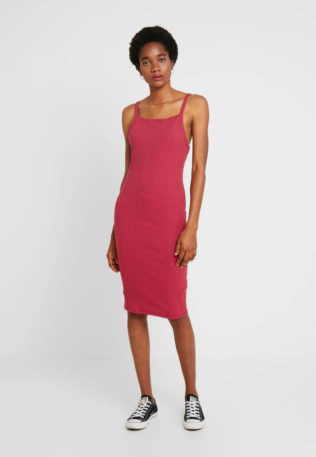 LOW BACK STRAPPY MIDI DRESS - Shift dress - garnet