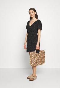 Cotton On - WILLOW TEA DRESS - Denní šaty - black - 1