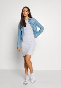 Cotton On - GISELLE SHORT SLEEVE DRESS - Vestido de tubo - grey - 1