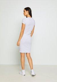Cotton On - GISELLE SHORT SLEEVE DRESS - Vestido de tubo - grey - 2