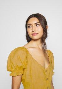Cotton On - AURORA SHORT SLEEVE MINI DRESS - Košilové šaty - mineral yellow - 3