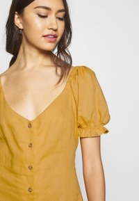 Cotton On - AURORA SHORT SLEEVE MINI DRESS - Košilové šaty - mineral yellow - 5
