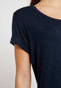Cotton On - KARLY SLEEVE V NECK - T-shirts - moonlight - 5