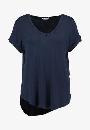 KARLY SLEEVE V NECK - T-shirt basic - moonlight