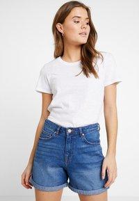 Cotton On - THE CREW - Basic T-shirt - white - 0