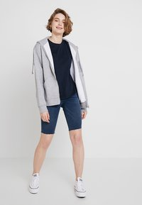 Cotton On - THE CREW - T-shirt basic - moonlight - 1