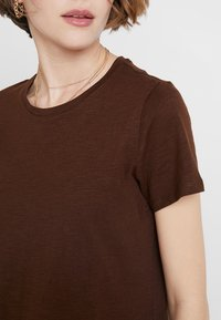 Cotton On - THE CREW - T-shirts - coffee bean - 4