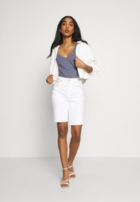 Cotton On - THE DEEP V - T-shirt basic - grisaille - 1