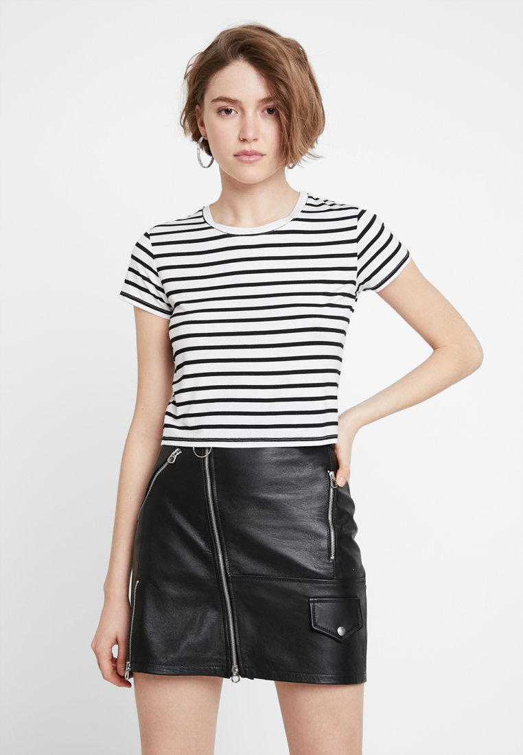 Cotton On - THE BABY TEE - T-Shirt print - white/black