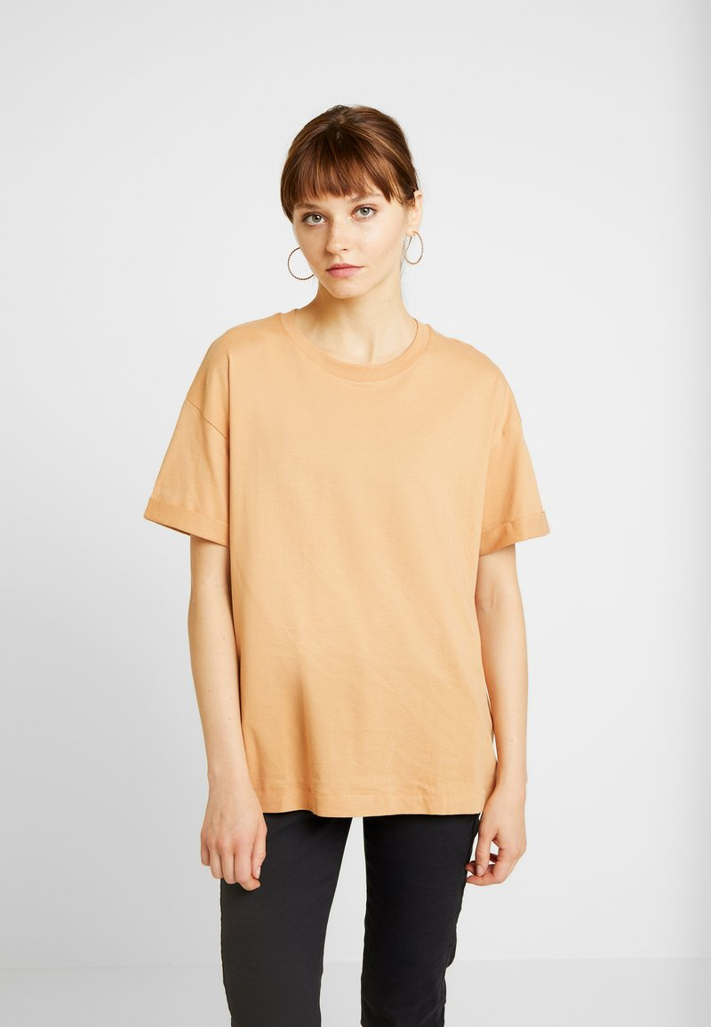 Cotton On - THE RELAXED BOYFRIEND TEE - T-shirts - carmello