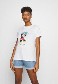 Cotton On - CLASSIC DISNEY - Print T-shirt - off-white - 0
