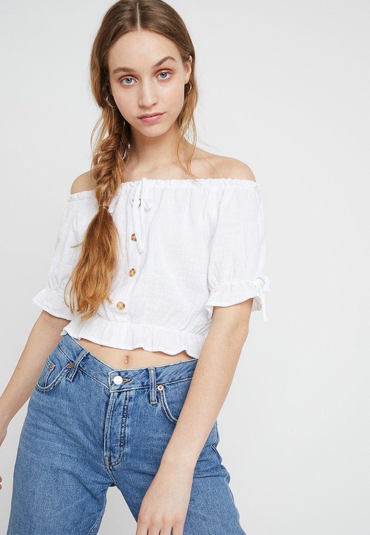 Cotton On - MILLER OFF THE SHOULDER - Bluse - white