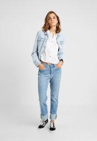 Cotton On - EMILY CHOPPED SHORT SLEEVE - Button-down blouse - white texture - 1