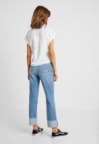 Cotton On - EMILY CHOPPED SHORT SLEEVE - Button-down blouse - white texture - 2