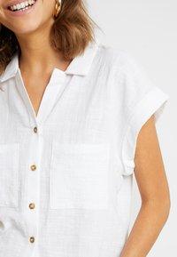 Cotton On - EMILY CHOPPED SHORT SLEEVE - Button-down blouse - white texture - 5
