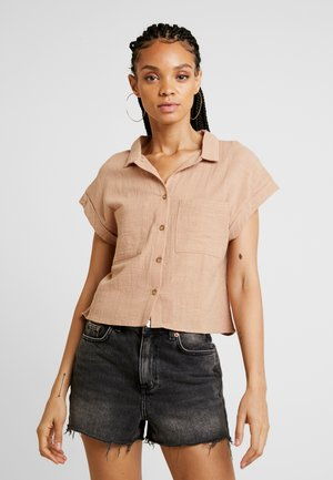 EMILY CHOPPED SHORT SLEEVE - Button-down blouse - taffy