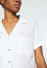 Cotton On - ERIKA SHORT SLEEVE - Košile - white - 5