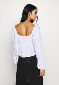 Cotton On - LONG SLEEVE BABYDOLL BLOUSE - Blouse - white - 2