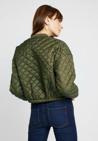 Cotton On - QUILTED - Bomberjacks - burnt olive - 2