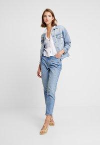 Cotton On - NEW BOYFRIEND JACKET - Spijkerjas - new blue vintage - 1