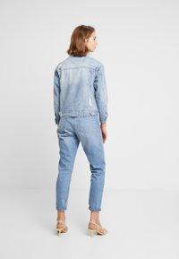 Cotton On - NEW BOYFRIEND JACKET - Spijkerjas - new blue vintage - 2