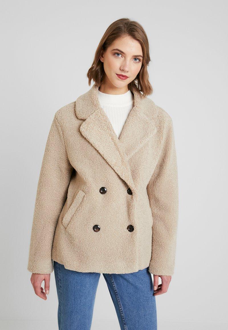Cotton On - SAMMY - Krótki płaszcz - natural