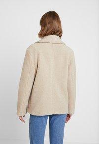 Cotton On - SAMMY - Krótki płaszcz - natural - 2