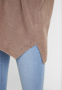 Cotton On - ARCHY CARDIGAN - Vest - brownie - 3