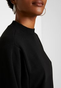 Cotton On - OVERSIZED DRAPEY CREW - Sudadera - black - 5