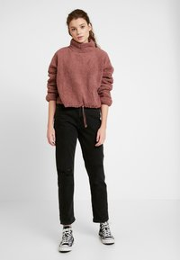 Cotton On - FUNNEL NECK TEDDY - Mikina - burlwood - 1