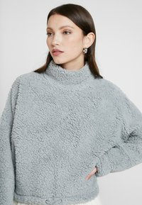 Cotton On - FUNNEL NECK TEDDY - Bluza - high rise - 4