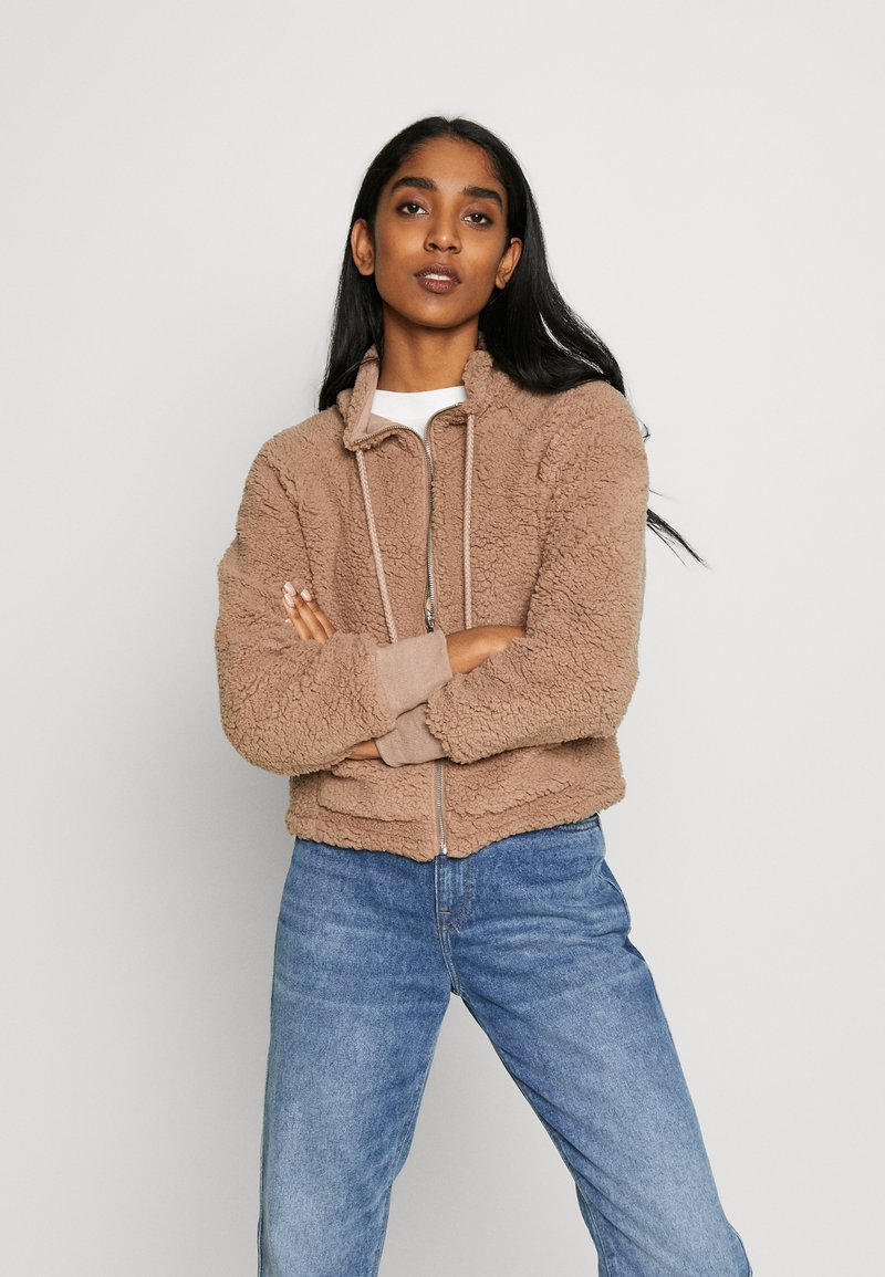 Cotton On - ZIP THRU CROPPED HOODIE - Kurtka zimowa - natural