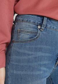 Cotton On - MID RISE GRAZER  - Skinny džíny - core blue - 5