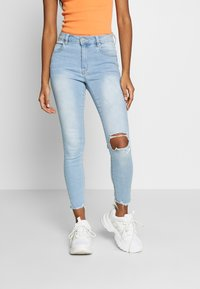 Cotton On - MID RISE GRAZER  - Jeans Skinny Fit - bleach blue - 0