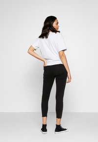 Cotton On - MID RISE GRAZER  - Skinny džíny - washed black - 2