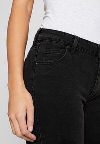 Cotton On - MID RISE GRAZER  - Skinny džíny - washed black - 4