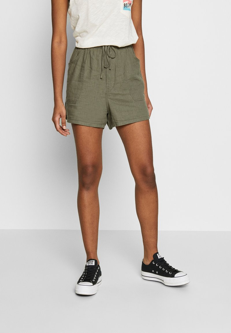 Cotton On - DRAPEY LONGLINE - Szorty - dark olive